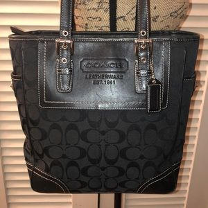 Coach Black Signature Gallery Lunch Tote